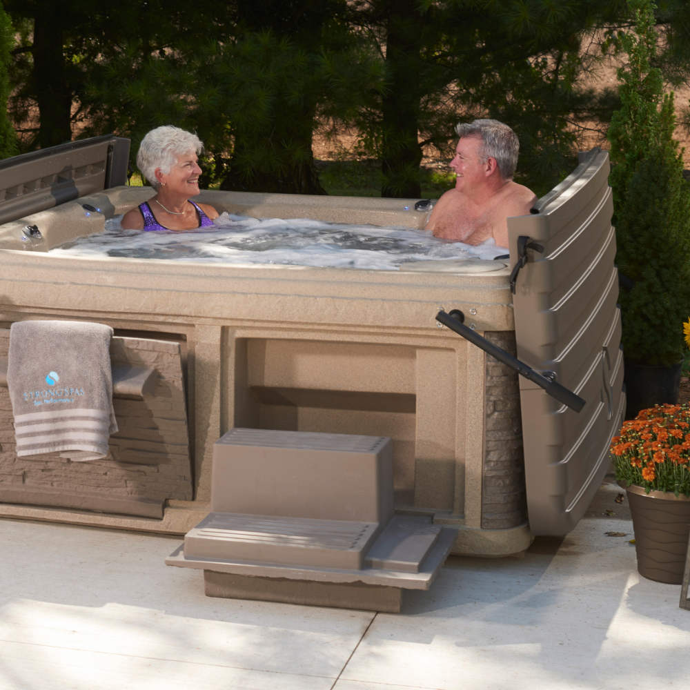 2 People Relaxing in a Strong Spa