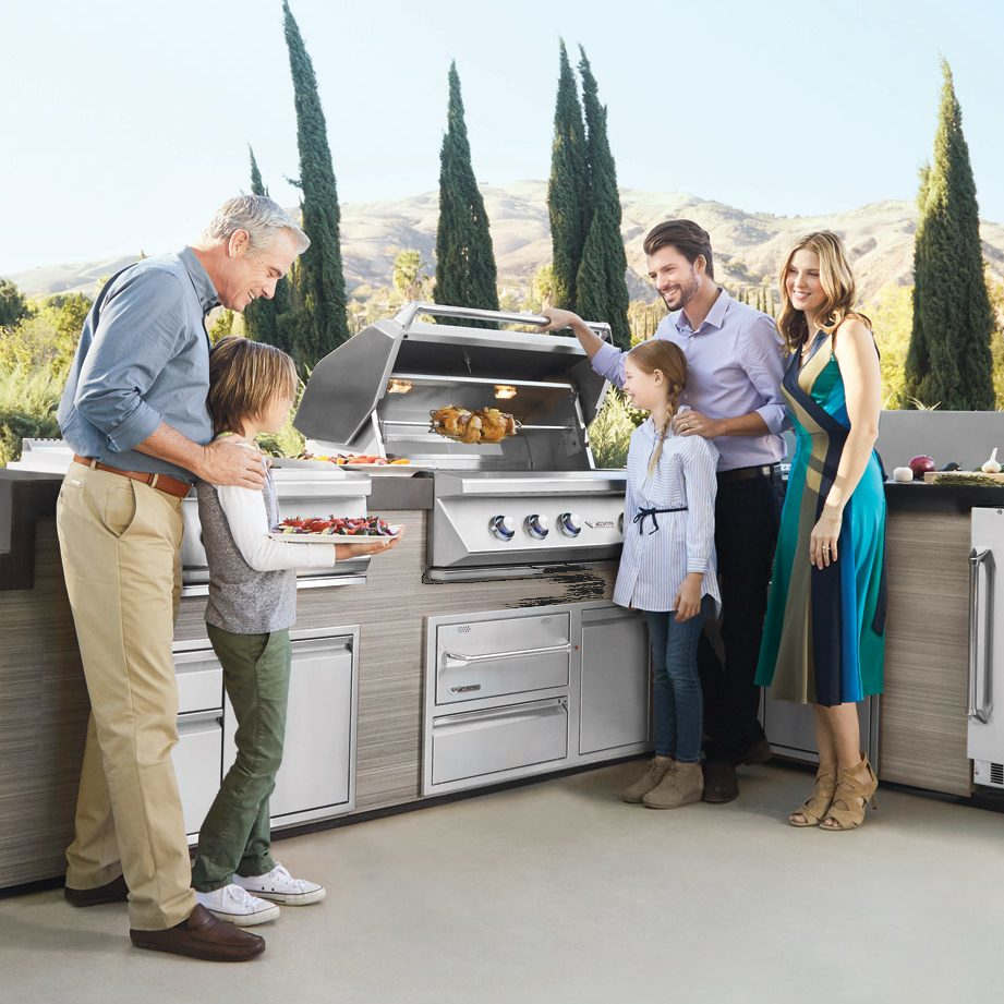 Twin Eagles Family Grilling